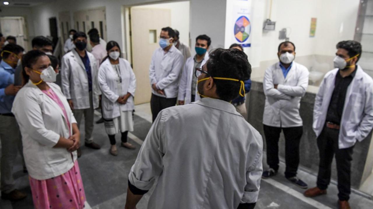 สะพรึง อินเดียเกิดโรคประหลาด ซ้ำเติมโควิด ผู้ป่วยพุ่ง 450 ดับสลดแล้ว 1